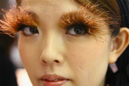 Woman at Shu Uemura Lash Bar in Japan